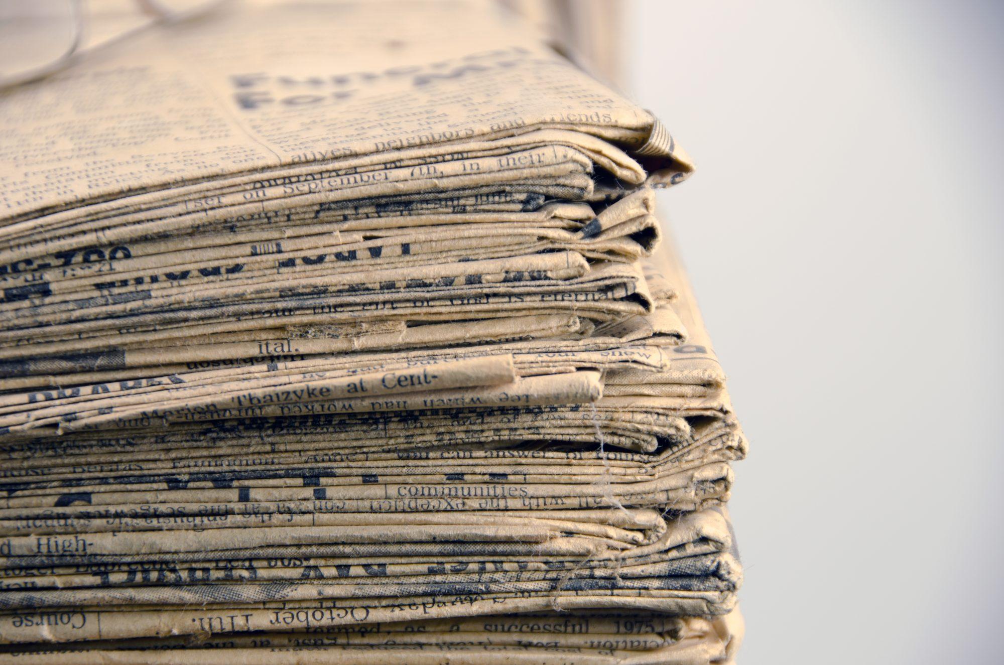 چرا کاغذ به مرور زمان زرد میشود؟